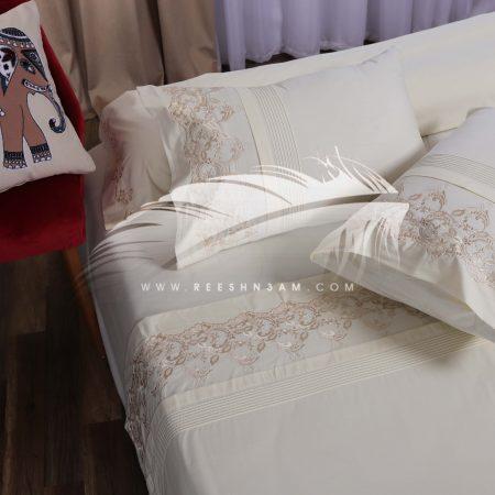 طقم سرير مطرز بسيط ناعم