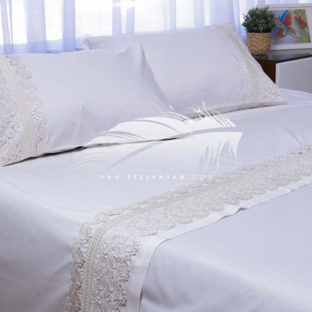طقم سرير بتطريزات مع الجوبير