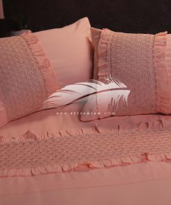 طقم سرير بألوان مميزة و حليات من الجوبير